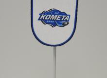 Stolní vlaječka HC Kometa Brno na zavěšení stojánkem